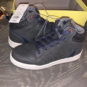 Size 4 boys shoes NEW